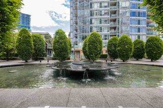 """Photo 1: 168 BOATHOUSE Mews in Vancouver: Yaletown Townhouse for sale in """"Marinaside Resort"""" (Vancouver West)  : MLS®# R2587224"""