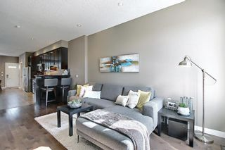 Photo 7: 4514 73 Street NW in Calgary: Bowness Row/Townhouse for sale : MLS®# A1081394