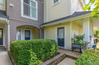 """Photo 2: 37 6965 HASTINGS Street in Burnaby: Sperling-Duthie Townhouse for sale in """"CASSIA"""" (Burnaby North)  : MLS®# R2617080"""