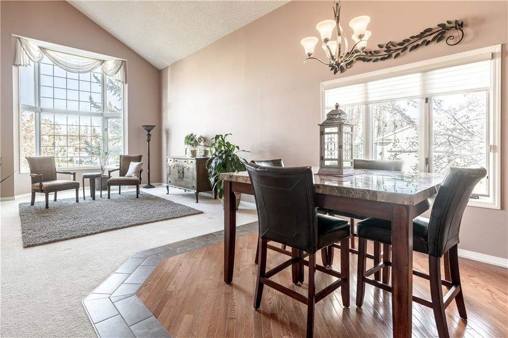 Photo 9: Photos: 248 WOOD VALLEY Bay SW in Calgary: Woodbine Detached for sale : MLS®# C4211183