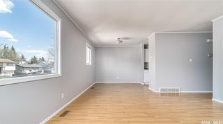 Photo 3: 1123 Athabasca Street West in Moose Jaw: Palliser Residential for sale : MLS®# SK854767