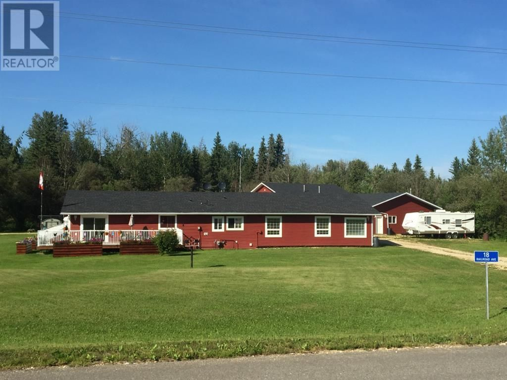 Main Photo: 18 Railroad Avenue in Faust: House for sale : MLS®# A1103334