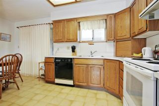 Photo 5: 10745 MCDONALD Road in Chilliwack: Fairfield Island House for sale : MLS®# R2586877