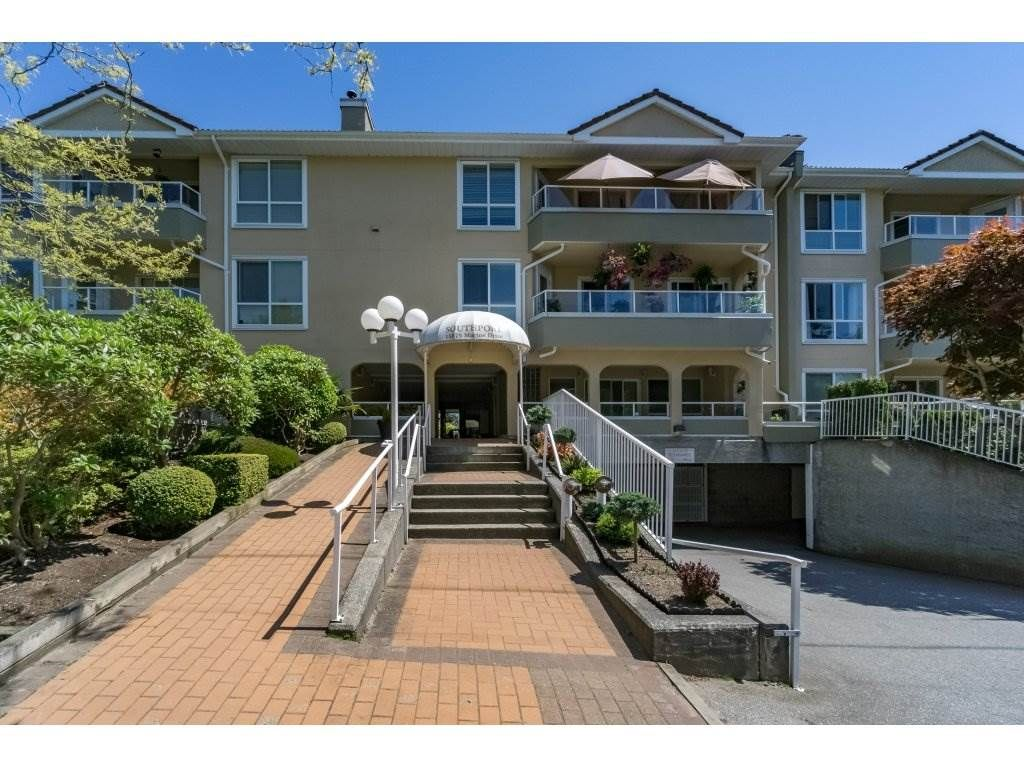 """Main Photo: 1 15875 MARINE Drive: White Rock Townhouse for sale in """"Southport"""" (South Surrey White Rock)  : MLS®# R2170589"""