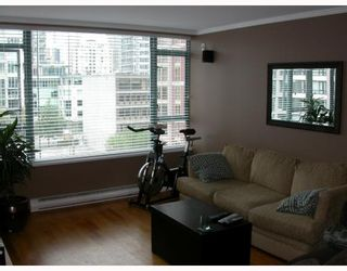 """Photo 2: 603 888 HAMILTON Street in Vancouver: Downtown VW Condo for sale in """"ROSEDALE GARDENS"""" (Vancouver West)  : MLS®# V777304"""