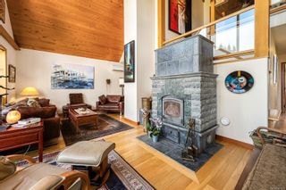 Photo 3: 1869 Fern Rd in : CV Courtenay North House for sale (Comox Valley)  : MLS®# 881523