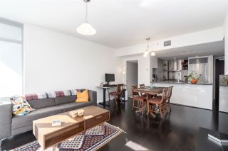 """Photo 8: 905 788 RICHARDS Street in Vancouver: Downtown VW Condo for sale in """"L'Hermitage"""" (Vancouver West)  : MLS®# R2458988"""