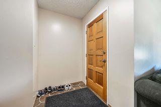 Photo 3: 10220 166 Avenue in Edmonton: Zone 27 House for sale : MLS®# E4252052