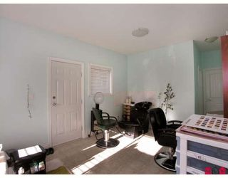 Photo 10: 17470 64A Avenue in Surrey: Cloverdale BC House for sale (Cloverdale)  : MLS®# F2832643