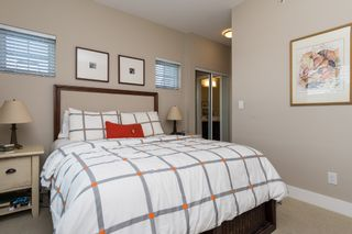 """Photo 15: 407 20630 DOUGLAS Crescent in Langley: Langley City Condo for sale in """"BLU"""" : MLS®# R2049078"""