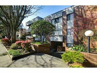 """Photo 9: 302 391 E 7TH Avenue in Vancouver: Mount Pleasant VE Condo for sale in """"OAKWOOD PARK"""" (Vancouver East)  : MLS®# V1000563"""
