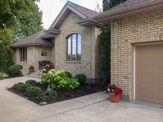 Photo 3: 141 Bluegrass Road in RM Springfield: Single Family Detached for sale (R04)  : MLS®# 1905198