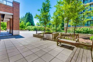 """Photo 15: 1402 10777 UNIVERSITY Drive in Surrey: Whalley Condo for sale in """"City Point"""" (North Surrey)  : MLS®# R2289441"""