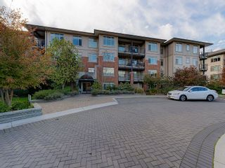 """Photo 1: 102 9199 TOMICKI Avenue in Richmond: West Cambie Condo for sale in """"MERIDIAN GATE"""" : MLS®# R2006928"""