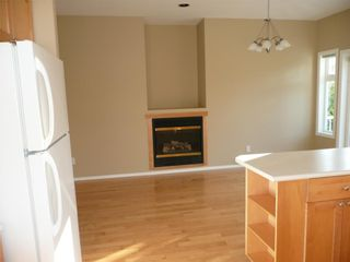 Photo 12: 484 Foster St in Victoria: Residential for sale : MLS®# 285068