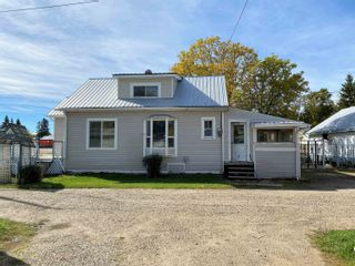 Photo 2: 5103 53 Street: Warburg House for sale : MLS®# E4264293