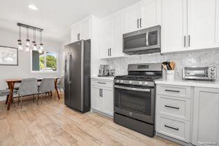 Photo 8: LA MESA House for sale : 3 bedrooms : 7975 Rainey St