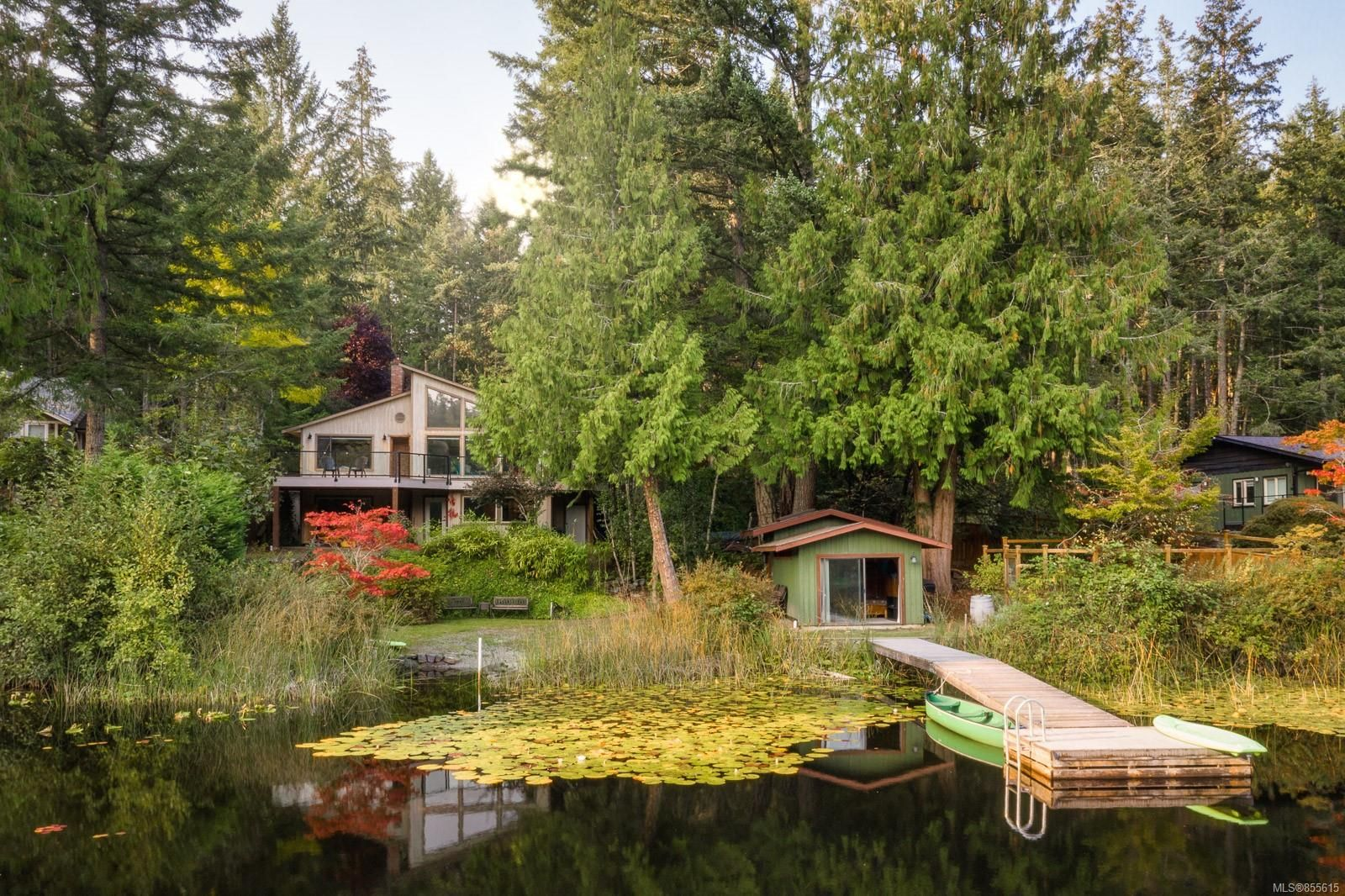 Main Photo: 685 Lost Lake Rd in : Hi Western Highlands House for sale (Highlands)  : MLS®# 855615