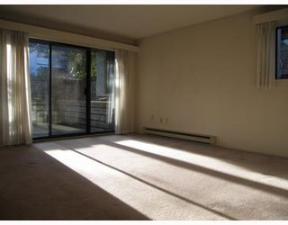"""Photo 2: 1 365 GINGER Drive in New Westminster: Fraserview NW Condo for sale in """"FRASER MEWS"""" : MLS®# V801327"""