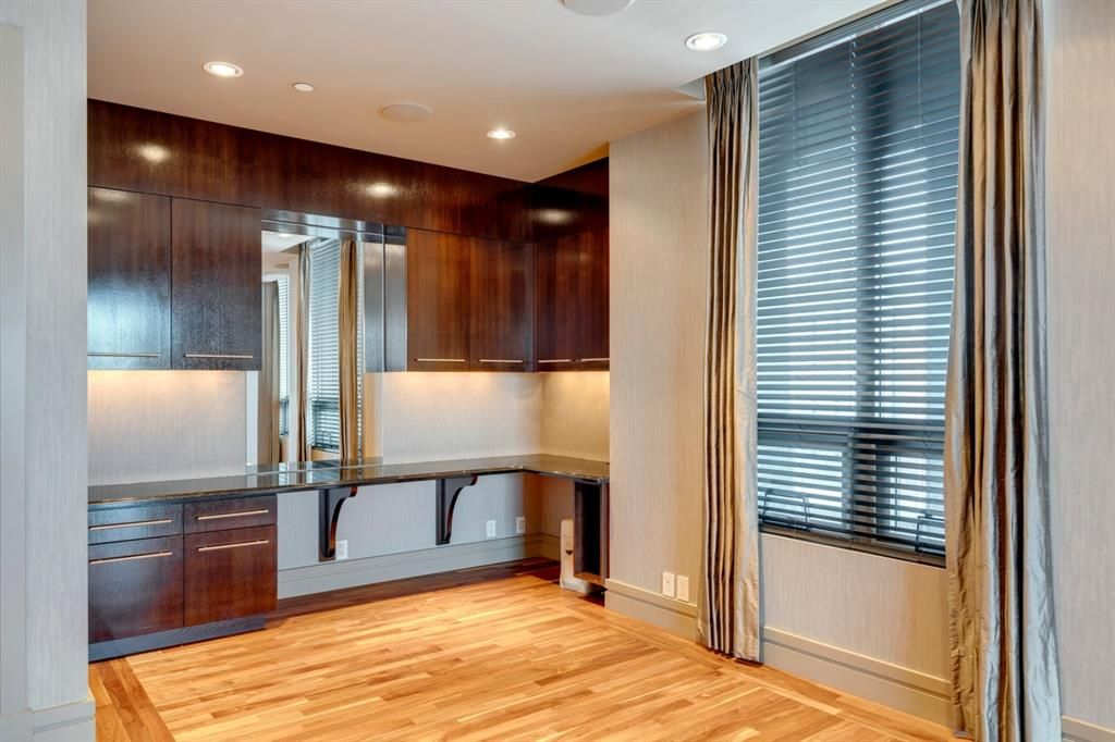 Photo 23: Photos: 1001 701 3 Avenue SW in Calgary: Downtown Commercial Core Apartment for sale : MLS®# A1050248