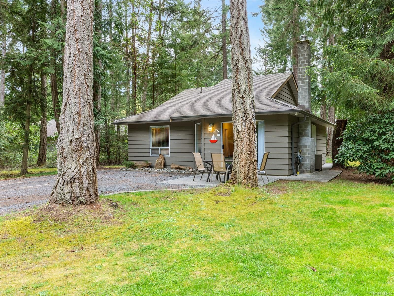 Main Photo: 59 1051 RESORT Dr in : PQ Parksville Row/Townhouse for sale (Parksville/Qualicum)  : MLS®# 874169