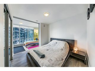"Photo 9: 1009 1788 COLUMBIA Street in Vancouver: False Creek Condo for sale in ""EPIC AT WEST"" (Vancouver West)  : MLS®# R2549911"