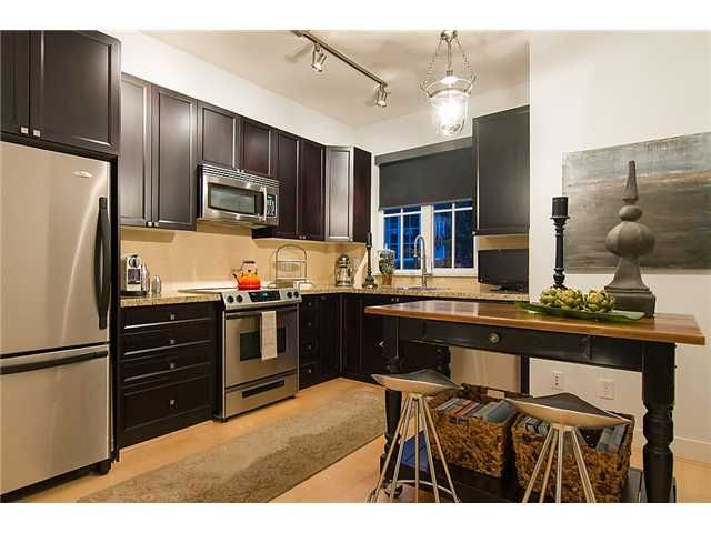 """Photo 5: Photos: 2618 QUEBEC Street in Vancouver: Mount Pleasant VE Townhouse for sale in """"MAISON"""" (Vancouver East)  : MLS®# V978938"""