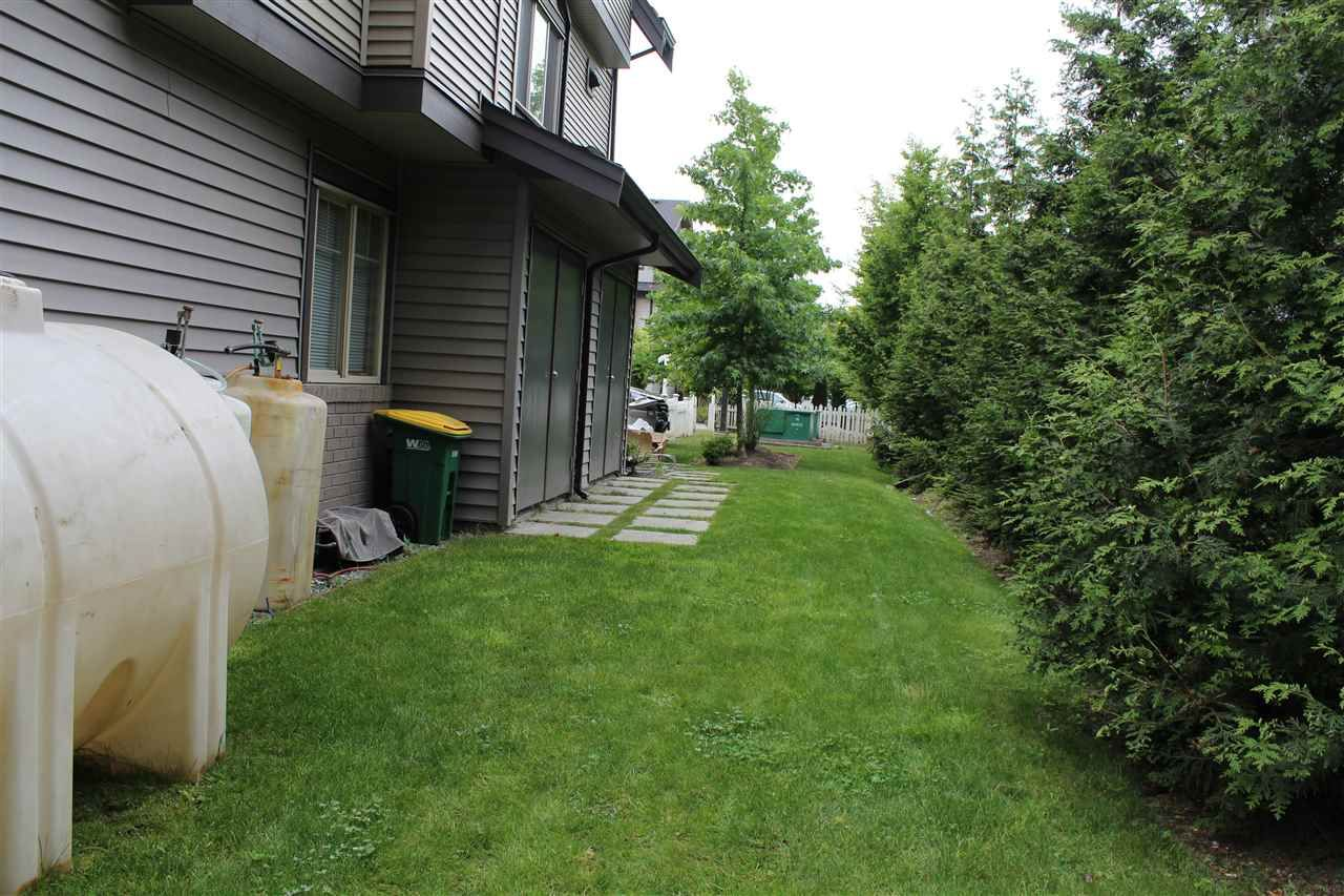 """Photo 4: Photos: 115 13368 72 Avenue in Surrey: West Newton Townhouse for sale in """"CRAFTON HILL"""" : MLS®# R2071517"""