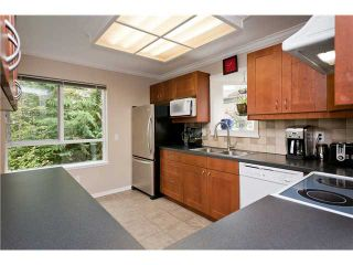 "Photo 6: 408 1215 LANSDOWNE Drive in Coquitlam: Upper Eagle Ridge Townhouse for sale in ""SUNRIDGE ESTATES"" : MLS®# V968136"