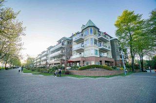 Photo 1: 218 12 K DE K Court in New Westminster: Quay Condo for sale : MLS®# R2571557