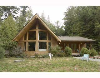 Photo 1: 3160 BEACH Avenue: Roberts Creek House for sale (Sunshine Coast)  : MLS®# V765023