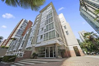 """Main Photo: 405 910 BEACH Avenue in Vancouver: Yaletown Condo for sale in """"MERIDIAN"""" (Vancouver West)  : MLS®# R2534010"""