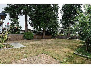 "Photo 18: 15970 N BLUFF Road: White Rock House for sale in ""White Rock"" (South Surrey White Rock)  : MLS®# F1450354"