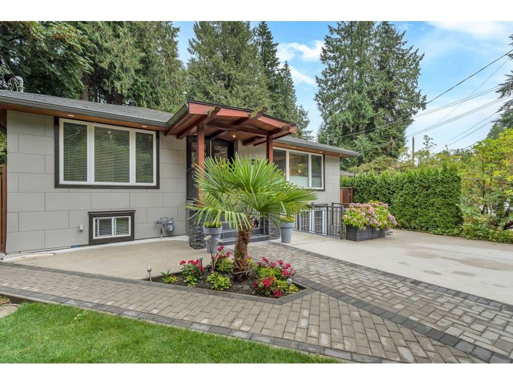 Main Photo: 2048 Mackay Avenue in North Vancouver: Pemberton Heights House for sale : MLS®# R2491106