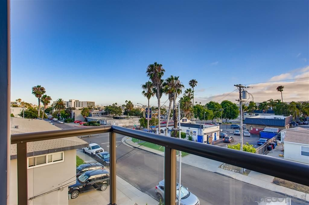 Photo 8: Photos: POINT LOMA Townhouse for sale : 2 bedrooms : 3030 Jarvis #7 in San Diego