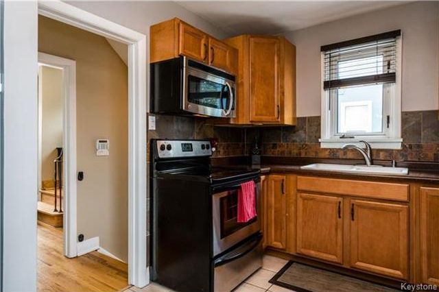 Photo 8: Photos: 657 Waterloo Street in Winnipeg: River Heights South Residential for sale (1D)  : MLS®# 1803912