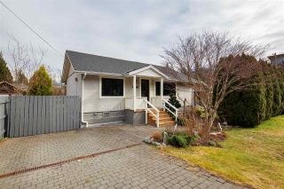 Photo 2: 39698 CLARK ROAD in Squamish: Northyards House for sale : MLS®# R2551003