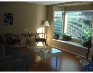 """Photo 3: 4 1195 FALCON Drive in Coquitlam: Eagle Ridge CQ Townhouse for sale in """"THE COURTYARDS"""" : MLS®# V775028"""