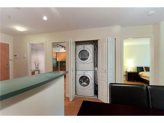 """Photo 8: 302 2161 W 12TH Avenue in Vancouver: Kitsilano Condo for sale in """"CARLINGS"""" (Vancouver West)  : MLS®# V909987"""