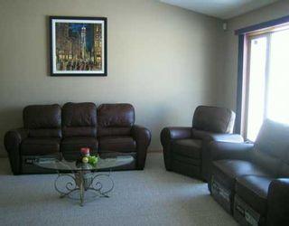 Photo 5: 730 KNOWLES Avenue in Winnipeg: North Kildonan Single Family Detached for sale (North East Winnipeg)  : MLS®# 2603327