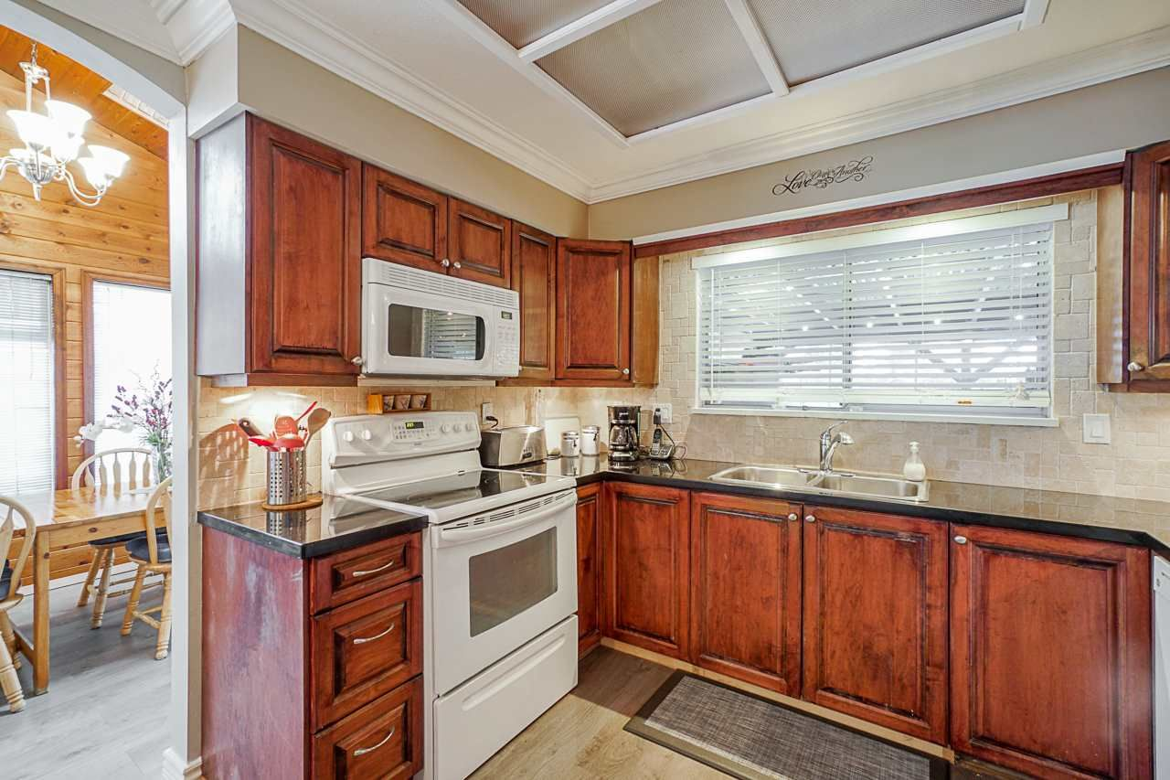"""Photo 18: Photos: 6240 STEVESTON Highway in Richmond: Gilmore House for sale in """"WESTWIND GREENHOUSES"""" : MLS®# R2510505"""