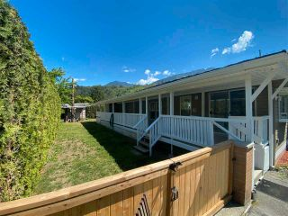Photo 3: 78 3942 COLUMBIA VALLEY Road: Cultus Lake Manufactured Home for sale : MLS®# R2565476