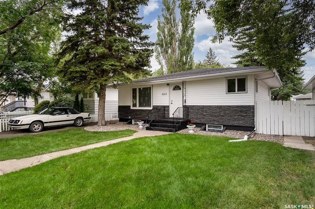 Main Photo: 1122 Monk Avenue Northwest in Moose Jaw: Central MJ Residential for sale : MLS®# SK865621