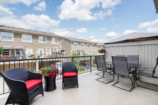 """Photo 9: 21125 80 Avenue in Langley: Willoughby Heights Condo for sale in """"Yorkson"""" : MLS®# R2394330"""
