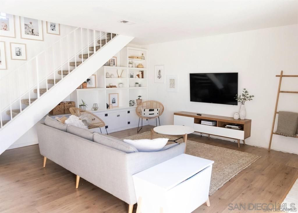Main Photo: ENCINITAS Townhouse for rent : 3 bedrooms : 2007 Countrywood