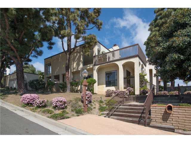 Main Photo: PACIFIC BEACH House for sale : 5 bedrooms : 1712 Beryl Street in San Diego
