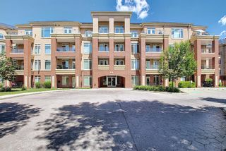 Photo 2: 414 2 Hemlock Crescent SW in Calgary: Spruce Cliff Apartment for sale : MLS®# A1122247