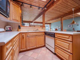 Photo 16: 9185 HYDAWAY Road in Sechelt: Halfmn Bay Secret Cv Redroofs House for sale (Sunshine Coast)  : MLS®# R2504559