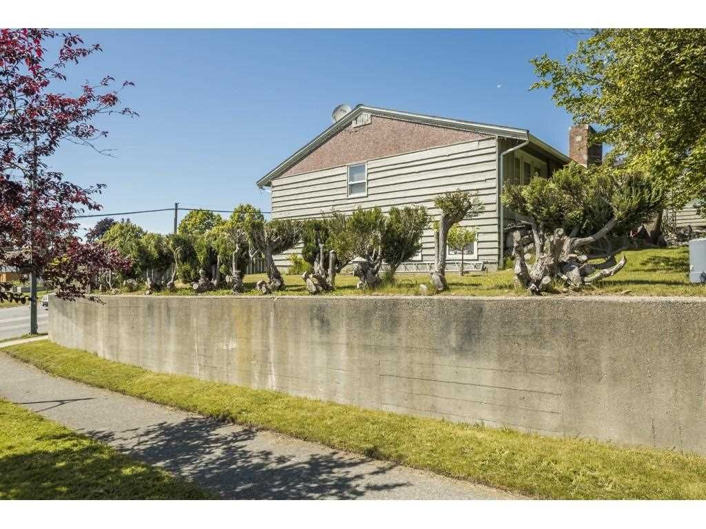 Main Photo: 7686 ARGYLE STREET in Vancouver: Fraserview VE House for sale (Vancouver East)  : MLS®# R2585109