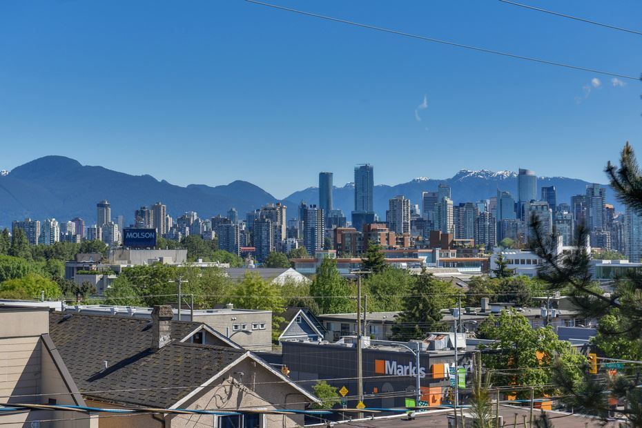"""Photo 14: Photos: 302 1933 W 5TH Avenue in Vancouver: Kitsilano Condo for sale in """"SAHLANO PLACE"""" (Vancouver West)  : MLS®# R2073154"""
